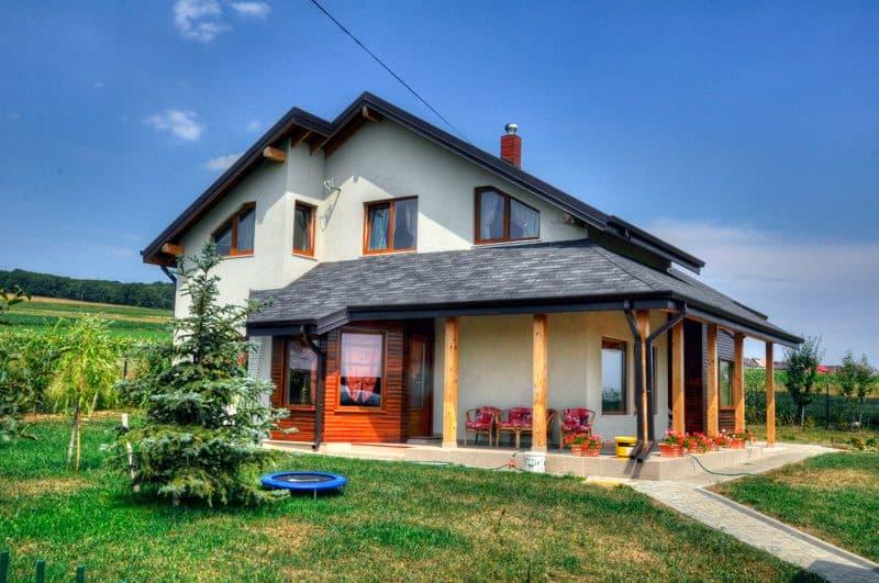 Casa din lemn Itcani Suceava (1)